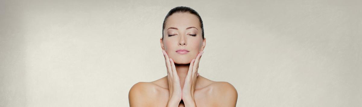 Was kann man neben der Gesichtspflege sonst noch gegen die Hautalterung tun?